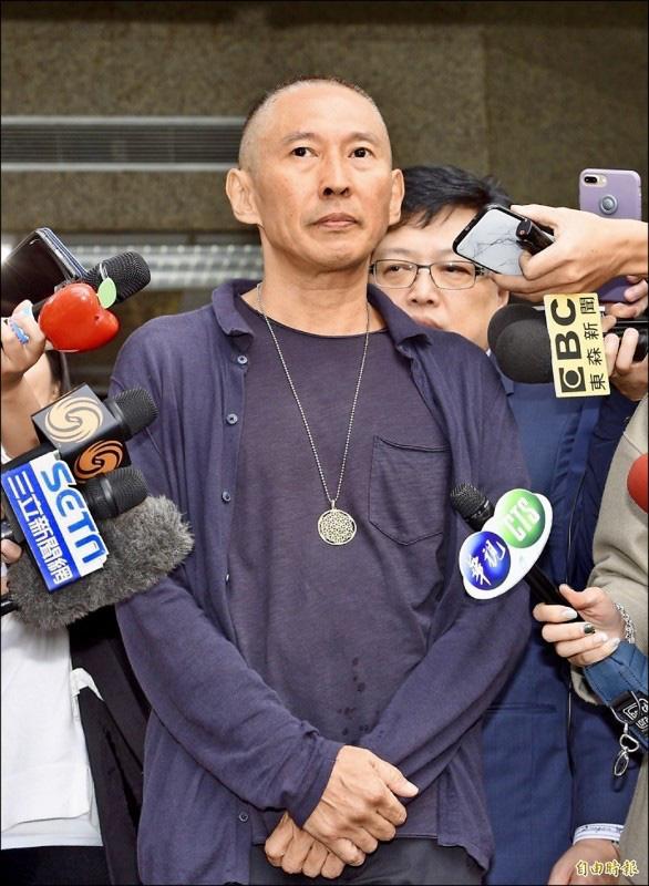 Tài tử Bao Thanh Thiên: Sống sa đọa, nghiện tình dục, sự nghiệp tan nát vì bê bối cưỡng dâm - Ảnh 6.