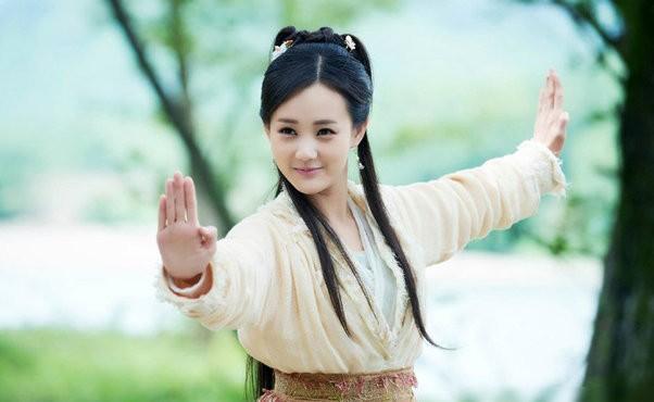 Kiếm hiệp Kim Dung: Những mỹ nhân có võ công cao cường khiến đấng mày râu cũng phải nể phục - Ảnh 2.