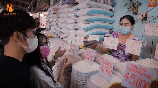 Giữa mùa đại dịch, hot streamer Hường Lulii và những người bạn quyên góp hơn 1 tấn gạo cho cây ATM gạo - Ảnh 1.