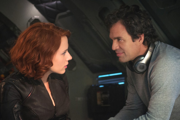"""Endgame lãi gần tỷ đô cũng không sốc bằng """"cảnh nóng"""" bị cắt giữa Hulk và Black Widow - Ảnh 7."""