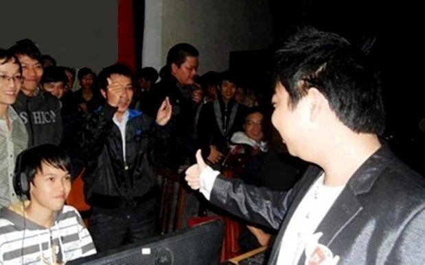 AoE: Chấm dứt hợp đồng với Facebook Gaming, ShenLong vẫn quyết tâm theo đuổi đam mê tại Việt Nam - Ảnh 1.