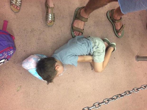 Bị cách ly lâu quá, đến cả lũ trẻ con cũng chán đời lăn ra ngủ như thế này đây - Ảnh 5.