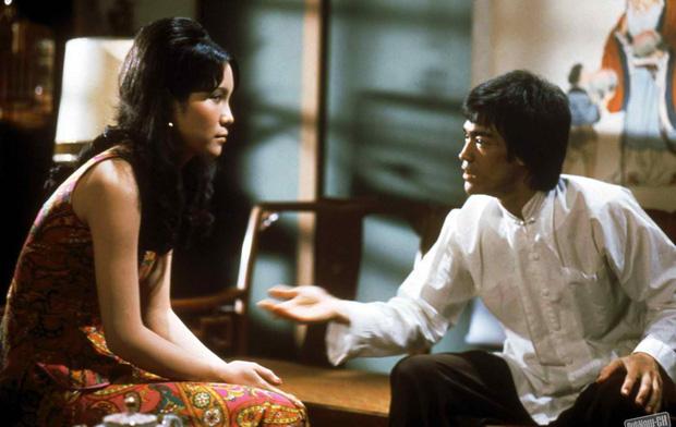"""Không chỉ đánh đấm, Lý Tiểu Long còn có biệt tài đưa các cô gái """"lên thẳng cung trăng"""" - Ảnh 4."""