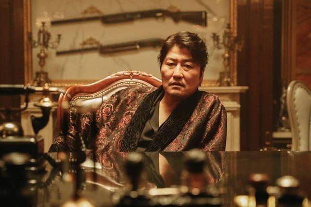 5 ông trùm xã hội đen khuynh đảo điện ảnh Hàn: Từ trùm đa cấp tỉ đô Lee Byung Hun tới tay buôn vũ khí khét tiếng Hyun Bin đều có đủ - Ảnh 3.