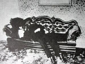 Chuyện rùng rợn: Vụ án Lizzie Borden và căn nhà ma bí ẩn - Ảnh 2.