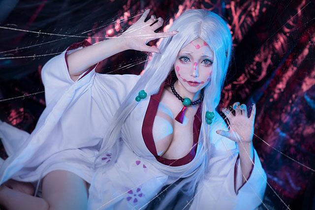 Cực phẩm cosplay Mẹ Quỷ Nhện ngực bự trong Kimetsu no Yaiba, nhìn chỉ thấy... đáng yêu chứ không hề đáng sợ - Ảnh 8.