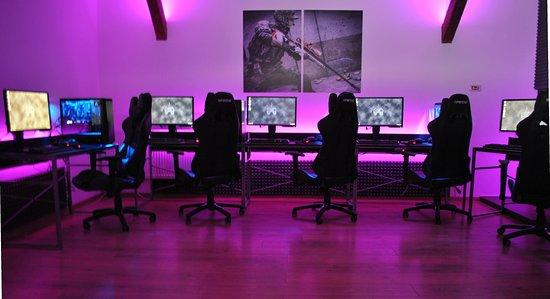 Hàn Quốc: Ra mắt trung tâm chuyên đào tạo game thủ thể thao điện tử, có cả Liên Minh Huyền Thoại - Ảnh 1.