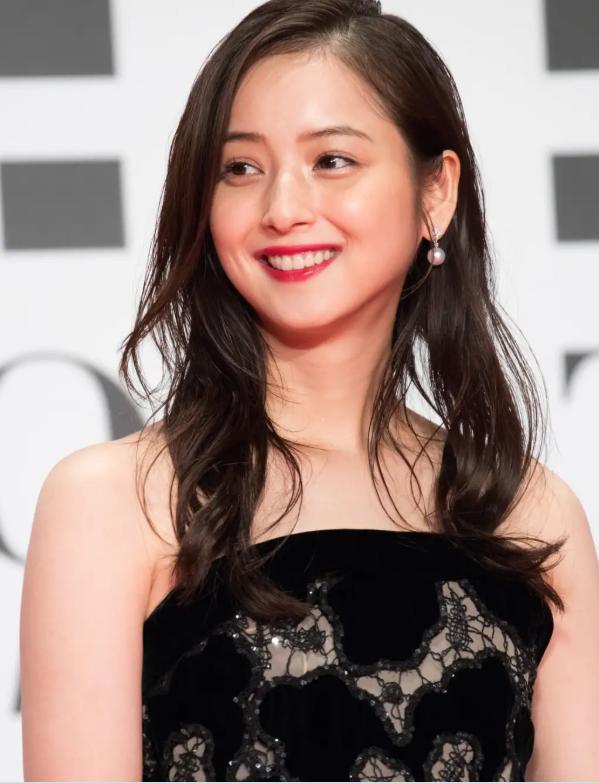 Chồng của Đệ nhất mỹ nhân Nhật Bản bị bóc mẽ hành vi ngoại tình với rất nhiều cô gái - Ảnh 3.