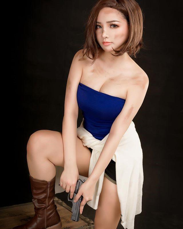 Nữ cosplayer Việt Nam được báo Trung Quốc ca ngợi khi hóa thân thành Jill Valentine cực kỳ xinh đẹp và nóng bỏng - Ảnh 2.