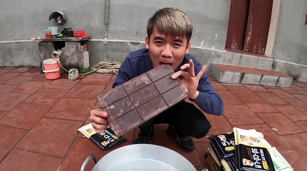 Làm video ẩm thực trông mất vệ sinh, con trai bà Tân Vlog lại nhận mưa gạch đá từ phía cộng đồng mạng - Ảnh 7.