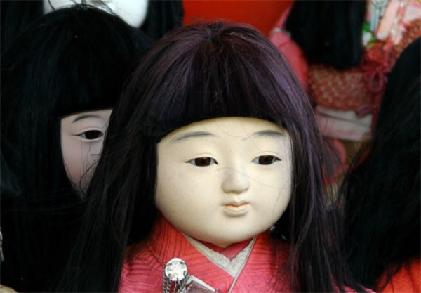 Khoa học vén màn bí ẩn trong truyền thuyết búp bê mọc tóc của Nhật Bản - Ảnh 3.