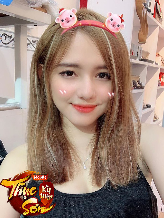 Dùng FaceApp để chụp ảnh, nữ game thủ đăng loạt hình xinh tựa thiên thần nhưng 500 anh em nhất định không tin - Ảnh 8.
