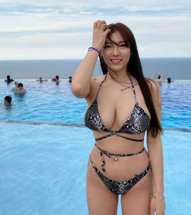 Mỹ nhân sở hữu bộ ngực căng tràn hiếm khi dùng FB, bức xúc vì bị mạo danh trên MXH - Ảnh 3.