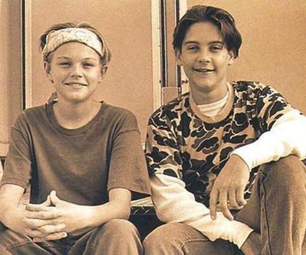Ai ngờ tài tử Titanic Leonardo và Người nhện Tobey là bạn thân 34 năm: Nhìn hình ảnh xưa - nay mà cảm động! - Ảnh 2.