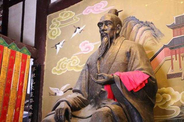 Báo ứng bi thảm của hai nhà tiên tri nổi danh Trung Hoa dám cả gan tiết lộ thiên cơ - Ảnh 3.