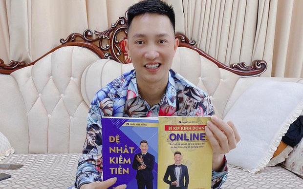 Giang hồ mạng Huấn Hoa Hồng ra MV ca nhạc, hát khuyên mọi người tránh xa cờ bạc nhưng lại quảng cáo cho game đánh bạc online - Ảnh 7.
