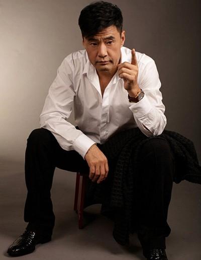 Diễn viên vào vai Điệp viên 002 trong phim của Châu Tinh Trì là ai? - Ảnh 3.