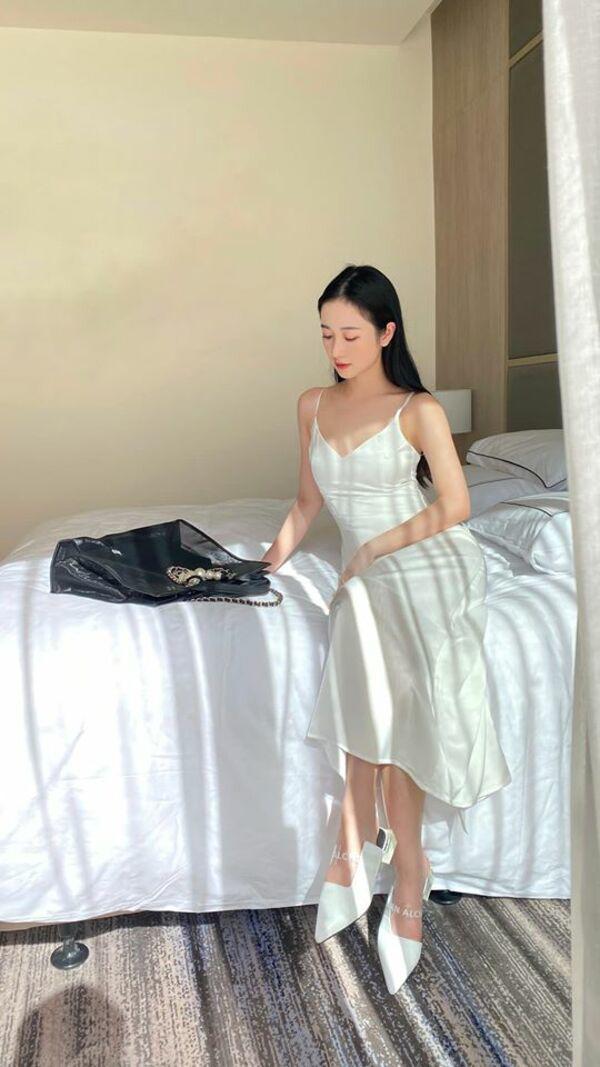Minh tinh quyến rũ nhất Việt Nam liên tục thay đổi phong cách thời trang khiến fan phát sốt - Ảnh 4.