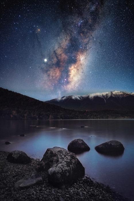 25 bức ảnh Dải ngân hà đẹp nhất 2020, đặt làm hình nền thì đẹp vô cùng (P1) - Ảnh 2.