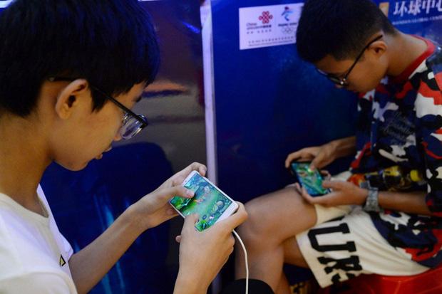 Trẻ em Trung Quốc tìm cách vượt rào hệ thống kiểm soát thời gian chơi game - Ảnh 2.