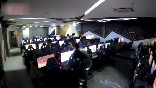 Choáng: YouTuber 9x chi 100 triệu, bao trọn Cyber Game để cày view cho Sếp Tùng - Ảnh 9.