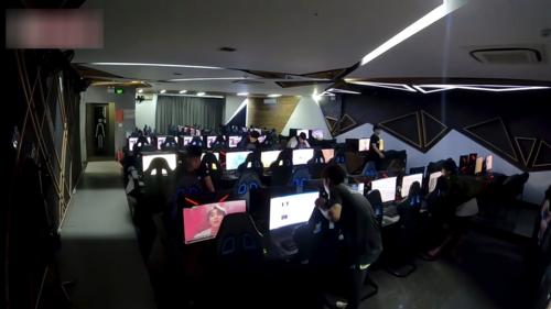 Choáng: YouTuber 9x chi 100 triệu, bao trọn Cyber Game để cày view cho Sếp Tùng - Ảnh 10.