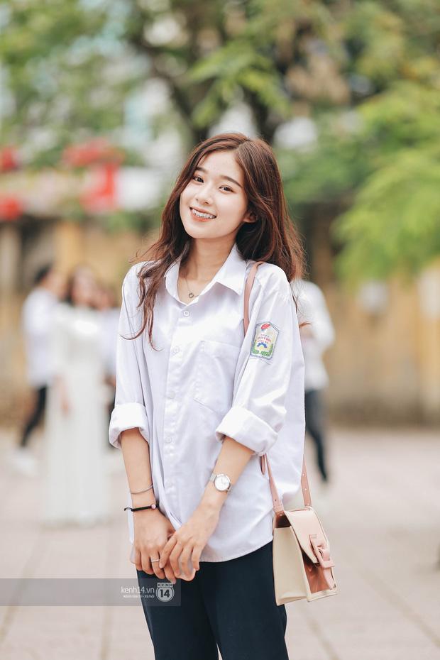 Xuất hiện ngôi trường đánh bại Phan Đình Phùng, Ams, Chu Văn An... vì dàn nữ sinh quá xuất sắc trong lễ bế giảng 2020 - Ảnh 2.