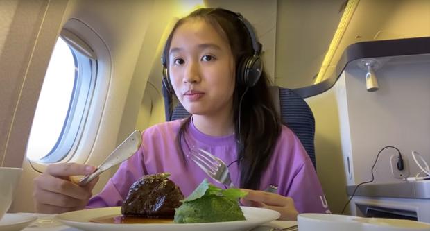 Giải mã sức hút từ loạt vlog triệu view quá là sến của cô bạn Việt 15 tuổi học trường quốc tế, có nhà bên Mỹ - Ảnh 4.