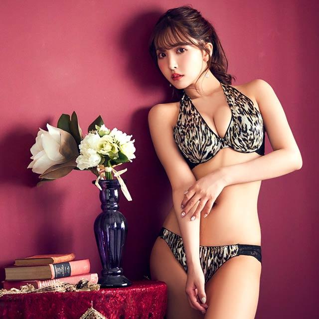 Yua Mikami khoe body trong bộ ảnh thời trang mới nhất khiến fan hâm mộ nóng mắt - Ảnh 1.