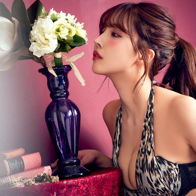 Yua Mikami khoe body trong bộ ảnh thời trang mới nhất khiến fan hâm mộ nóng mắt - Ảnh 5.