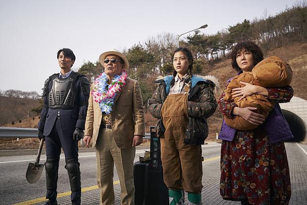 Cày 5 phim zombie Hàn để sẵn sàng tinh thần đu Peninsula: Hot nhất vẫn là tiền truyện bom tấn Train To Busan - Ảnh 10.