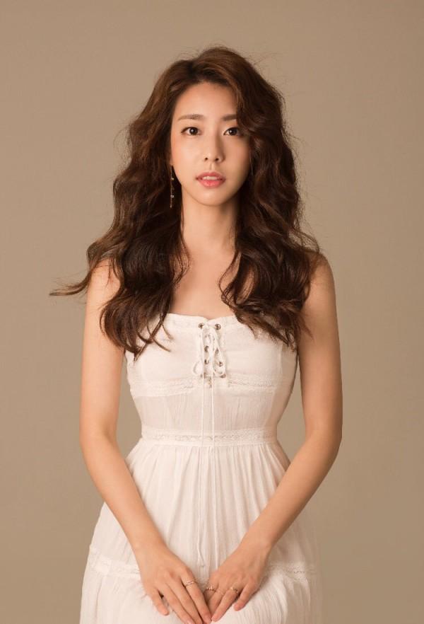 Top 8 nữ MC LMHT xinh đẹp nhất thế giới: LCK có 3 đại diện nhưng vẫn thua hết Minh Nghi! - Ảnh 12.