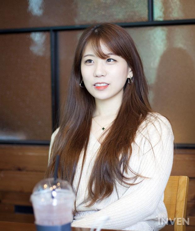 Top 8 nữ MC LMHT xinh đẹp nhất thế giới: LCK có 3 đại diện nhưng vẫn thua hết Minh Nghi! - Ảnh 3.
