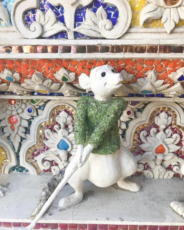 Ngôi chùa Thái Lan có tượng David Beckham và Pikachu đặt dưới bệ thờ - Ảnh 13.
