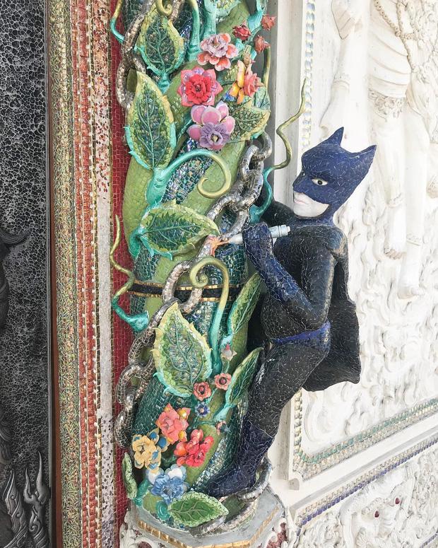 Ngôi chùa Thái Lan có tượng David Beckham và Pikachu đặt dưới bệ thờ - Ảnh 9.