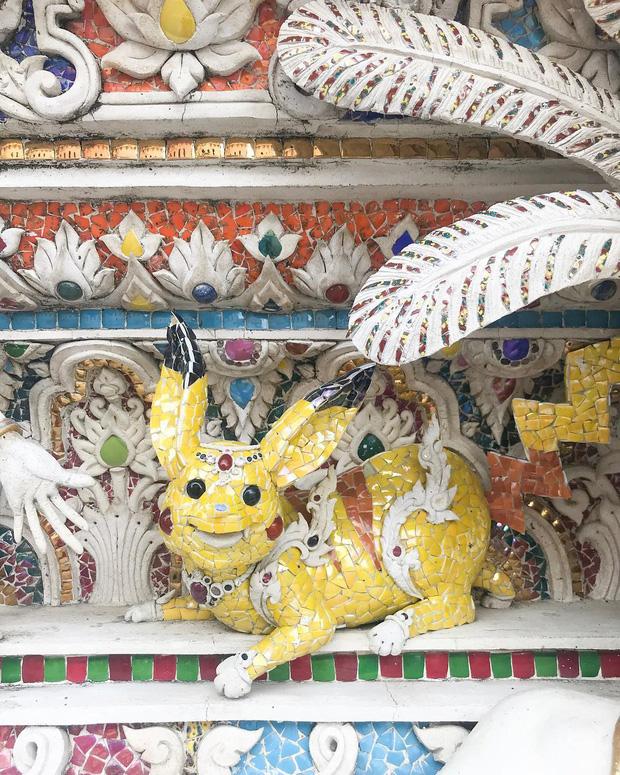 Ngôi chùa Thái Lan có tượng David Beckham và Pikachu đặt dưới bệ thờ - Ảnh 10.