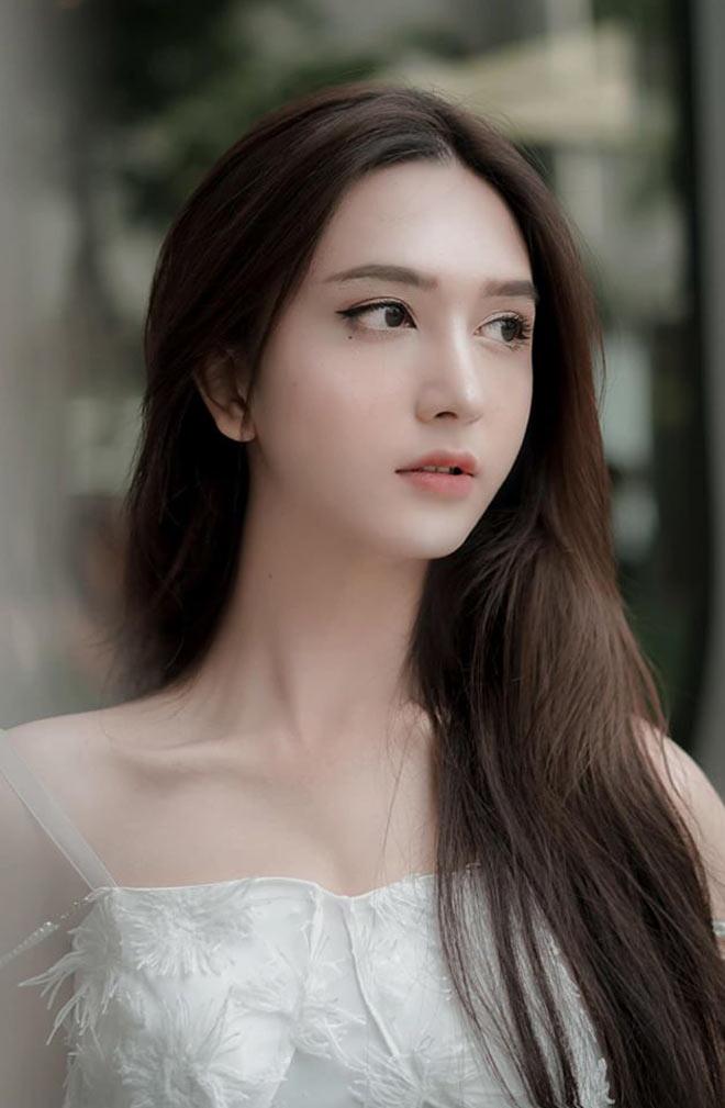 Chuyển giới đẹp hơn hot girl, cô gái Sài thành khiến cộng đồng mạng trầm trồ, không tin nổi vào mắt mình - Ảnh 3.