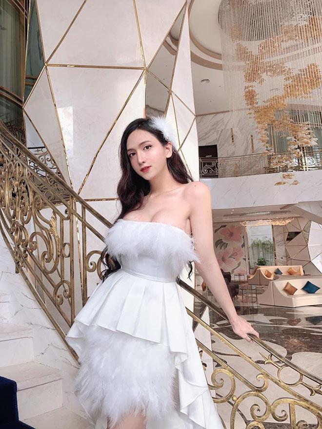 Chuyển giới đẹp hơn hot girl, cô gái Sài thành khiến cộng đồng mạng trầm trồ, không tin nổi vào mắt mình - Ảnh 8.