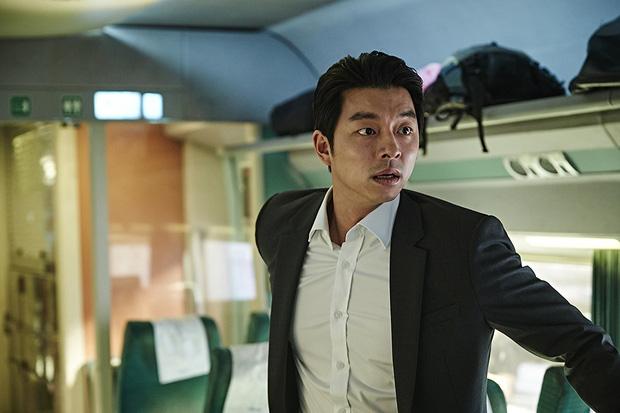 6 giả thuyết rợn người ở bom tấn Train To Busan 2: Con gái Gong Yoo vẫn còn sống, zombie sắp xâm chiếm cả thế giới rồi? - Ảnh 4.