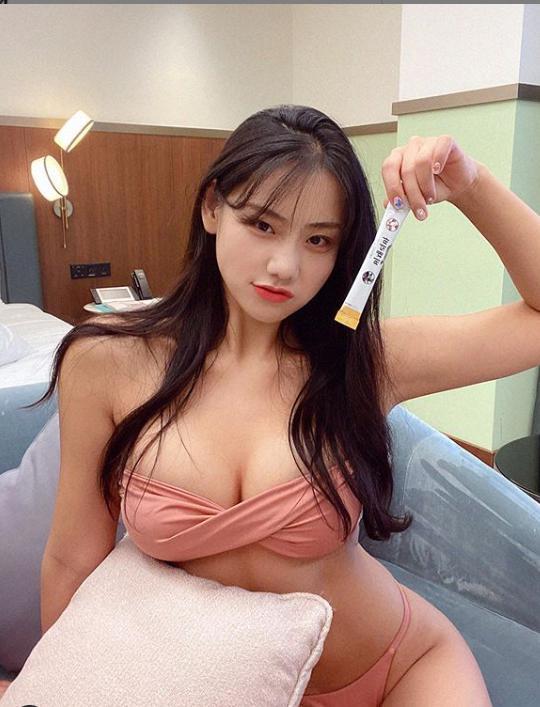 Sở hữu body bốc ná thở và vòng 1 phồn thực, hot girl vẫn được xếp vào hàng béo, lệch chuẩn nghiêm trọng vì lý do này - Ảnh 11.