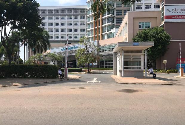 Bệnh viện Quốc tế City ngưng nhận bệnh nhân sau trường hợp nghi mắc COVID-19 - Ảnh 1.