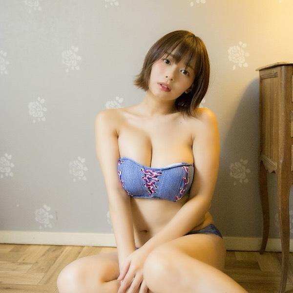 Khoe bộ ảnh quy tụ dàn gái xinh ngực khủng bên suối nước nóng, cô nàng hot girl Nhật bỗng chốc nổi như cồn trên mạng xã hội - Ảnh 7.