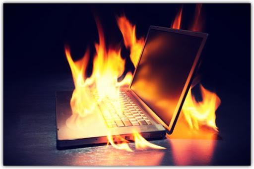 7 cách chống nóng hiệu quả giúp tăng tuổi thọ Laptop - Ảnh 1.