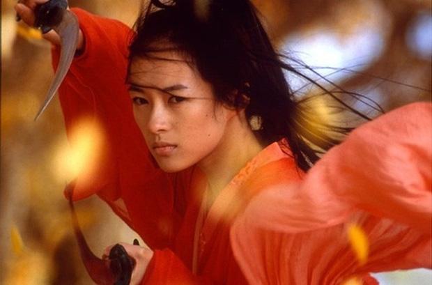 9 mỹ nhân hóa sát thủ siêu ngầu trên phim Trung: Chương Tử Di khí chất ngời ngời, Lưu Diệc Phi hứng trọn gạch đá - Ảnh 14.