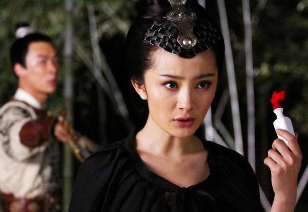 9 mỹ nhân hóa sát thủ siêu ngầu trên phim Trung: Chương Tử Di khí chất ngời ngời, Lưu Diệc Phi hứng trọn gạch đá - Ảnh 17.