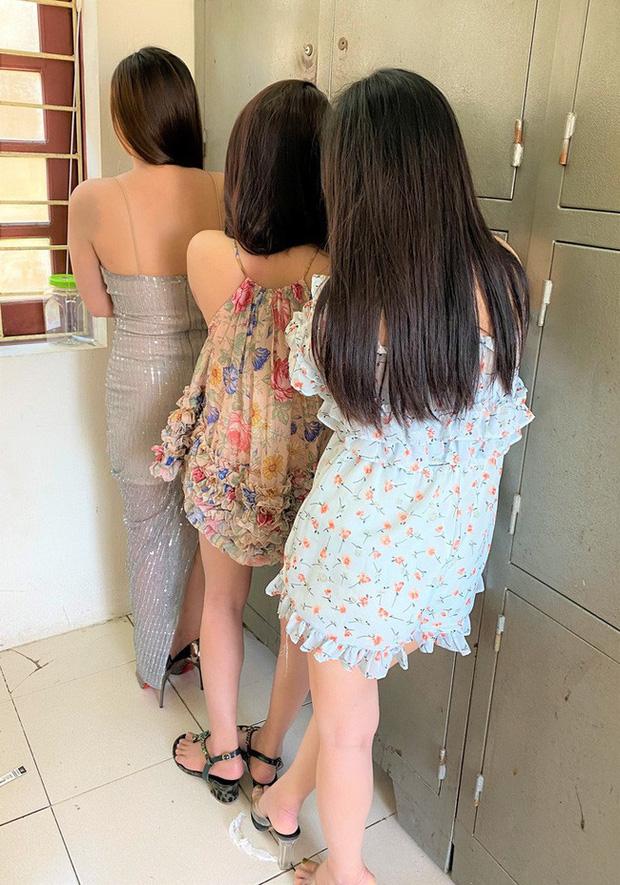 Chân dung hot girl vừa điều hành đường dây bán dâm vừa tự đi khách: Đi du lịch và mua xế hộp sang chảnh, thường xuyên khoe thân trên mạng - Ảnh 10.