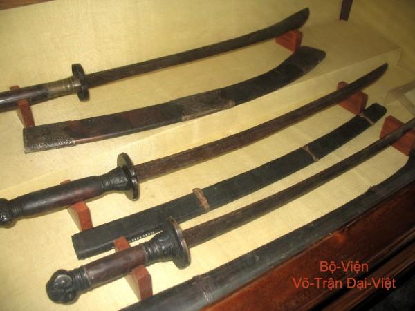 Chiêm ngưỡng các cổ kiếm cực lợi hại của Đại Việt: Sắc bén và đáng gờm chẳng kém gì katana Nhật Bản - Ảnh 7.