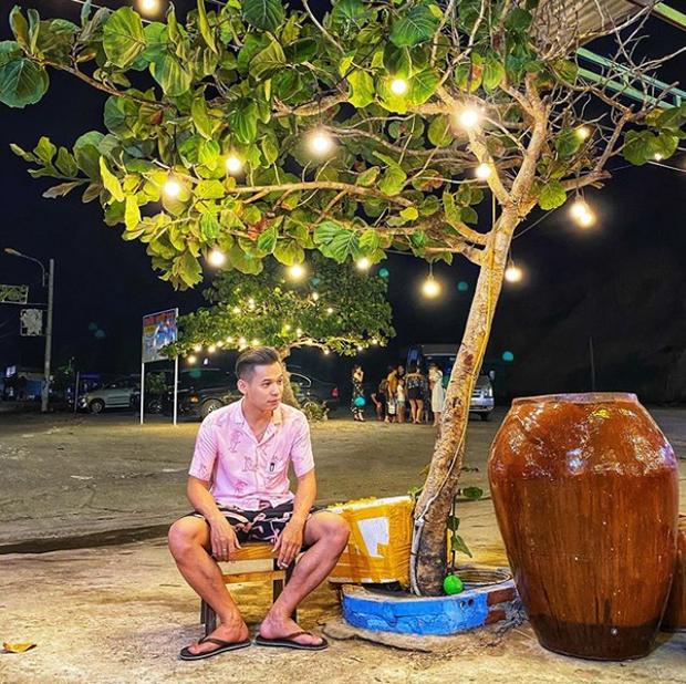 Soi ảnh hội anh em Độ Mixi khi du lịch: Tộc trưởng check-in kiểu Cao Bằng, trai trẻ lại vô cùng chanh sả - Ảnh 2.