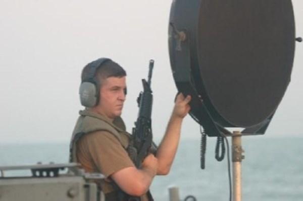 Những loại vũ khí đăc biệt được dùng để đối phó với cướp biển thời hiện đại - Ảnh 1.