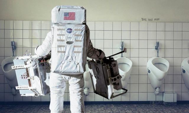 Đi vệ sinh luôn là thách thức của các phi hành gia trên vũ trụ (Ảnh minh họa).